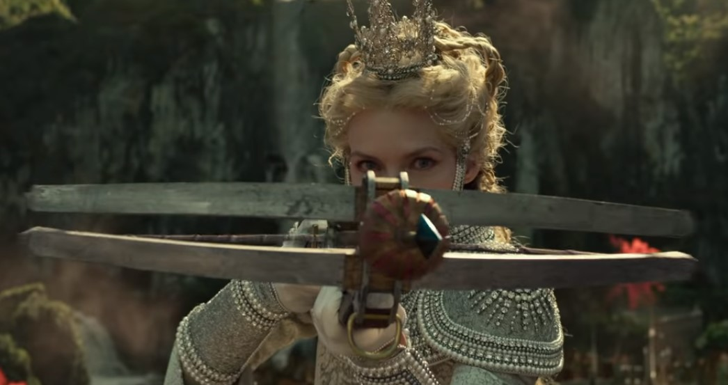 Maleficent 2 Michelle Pfeiffer S Queen Ingrith Taking Aim